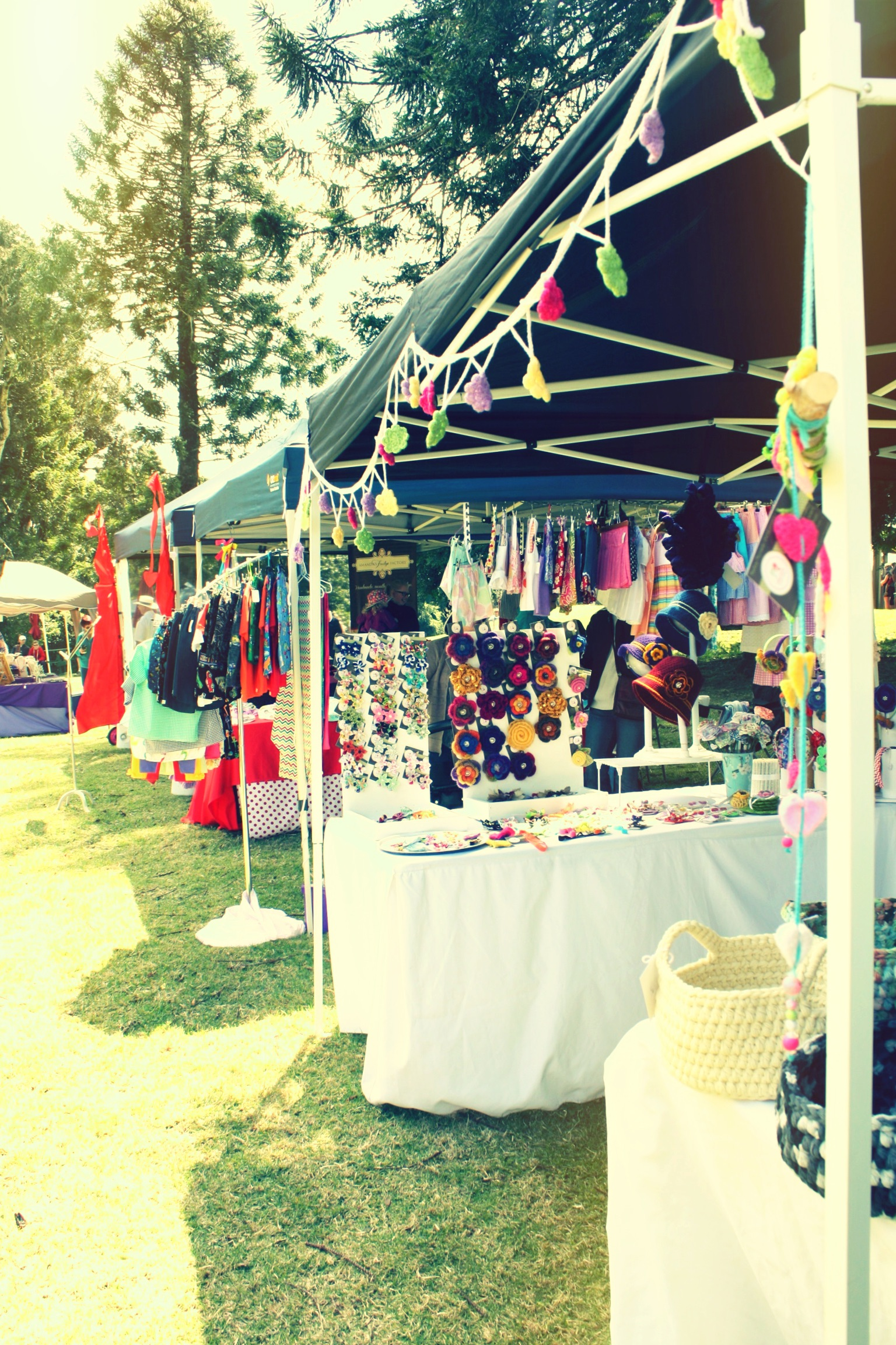 Sunday Bunya Markets